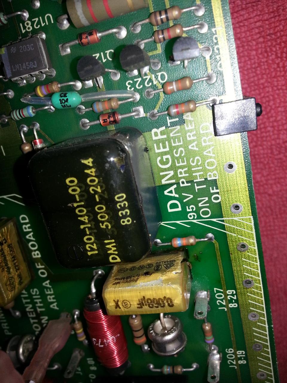 Dead C1018 capacitor.